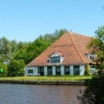 20140914_Leeuwarden_De_Zwemmer_5_bedreigd_door_knokploegen